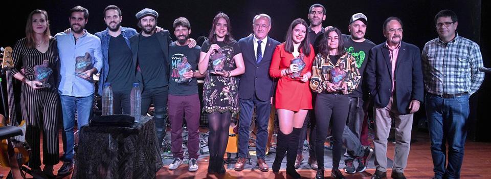 Finalistas con los premios recibidos