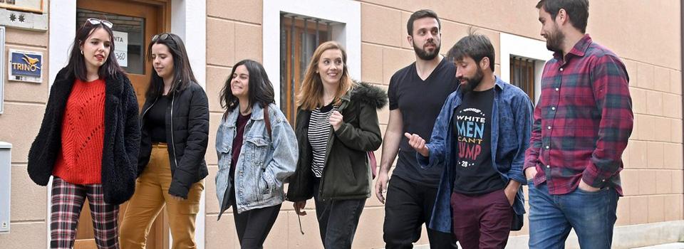 Finalistas paseando por Villadiego
